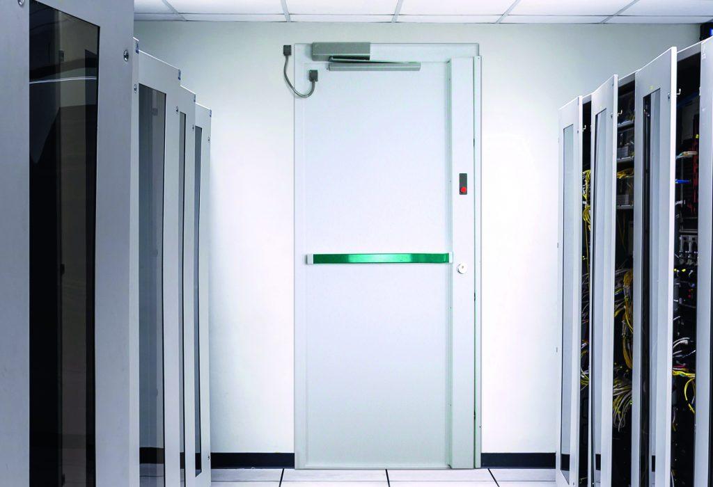 porte blindée dans un data center